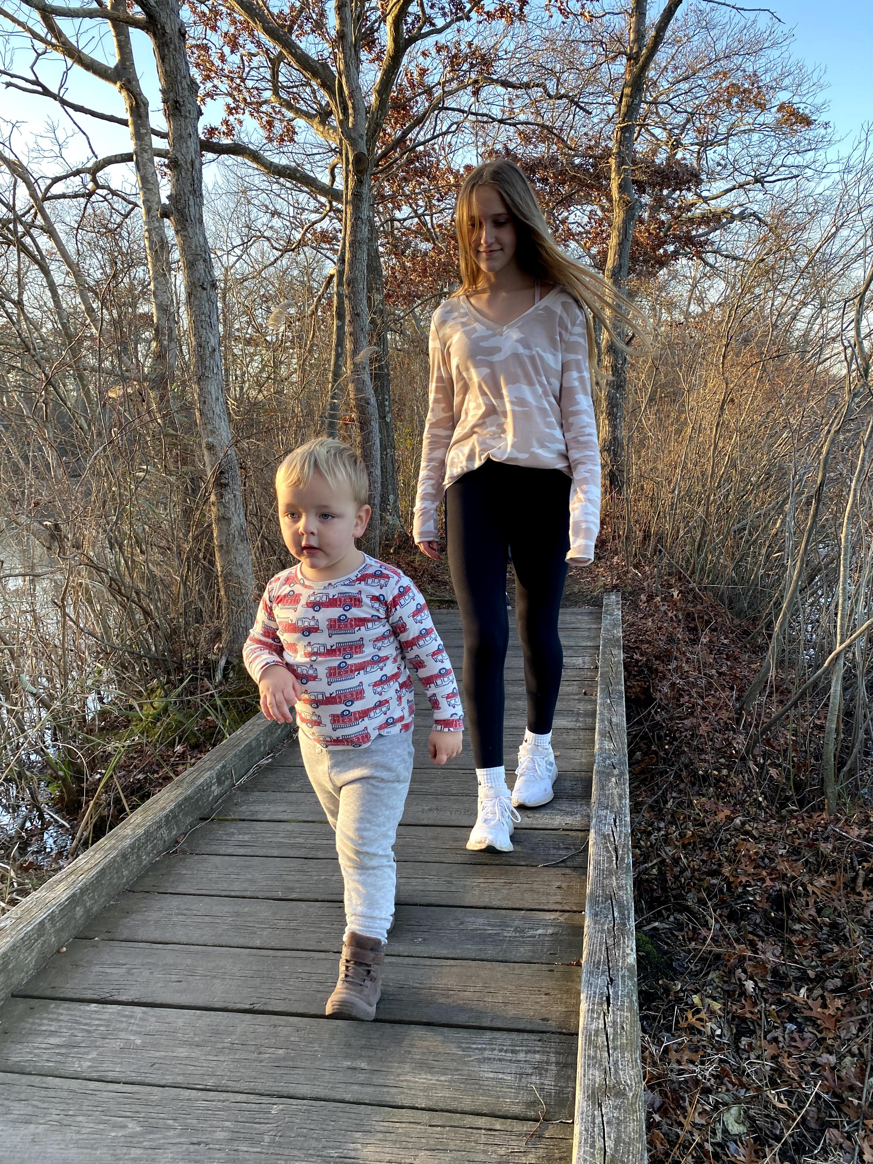 Avery & Ben explore Ryan Park
